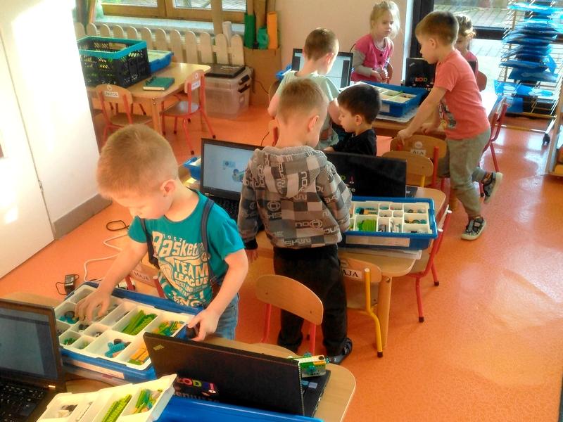 Robotyka w Przedszkolu z klockami Lego zabawa i nauka